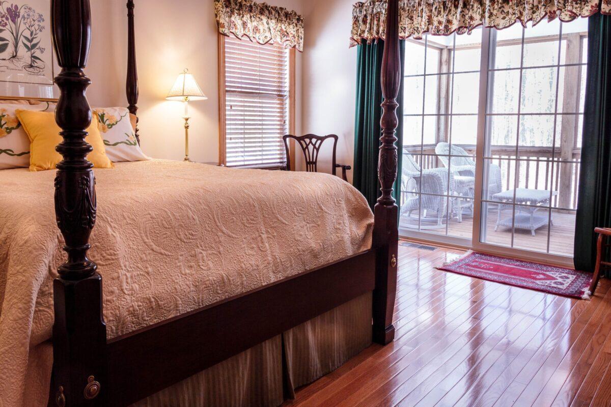 bedroom, bed, hardwood floor